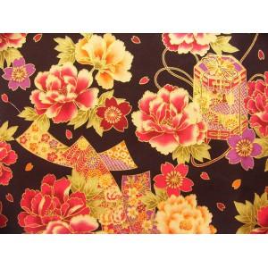 coupon tissu Japonais traditionnel 55x49cm fleuri doré fond noir 8