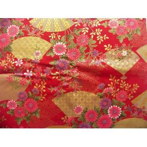 coupon tissu Japonais traditionnel 55x49cm fleuri doré fond rouge 13
