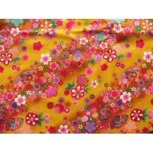 coupon tissu Japonais traditionnel 55x49cm fleuri doré fond moutarde 15
