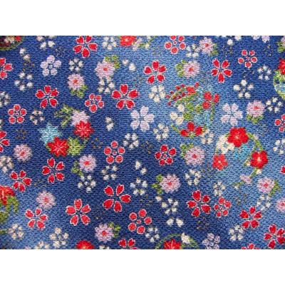 coupon tissu Chirimen Japonais traditionnel 35x24cm fleuri fond bleu 34