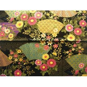 coupon tissu Japonais traditionnel 55x49cm fleuri doré fond noir 49