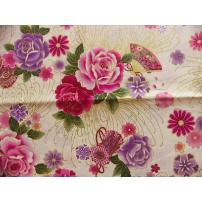 coupon tissu Japonais traditionnel 55x49cm fleuri doré fond ivoire 68